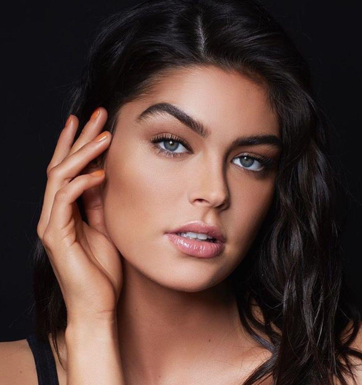 𝓈𝓎𝒹𝓃ℯ𝓎 adlı kullanıcının Beauty Makeup panosundaki Pin