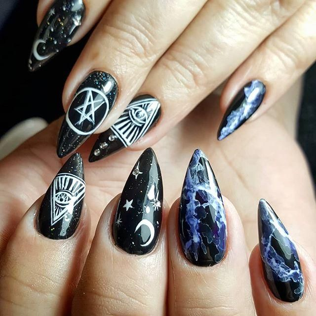 halloween nail art ideas; goth