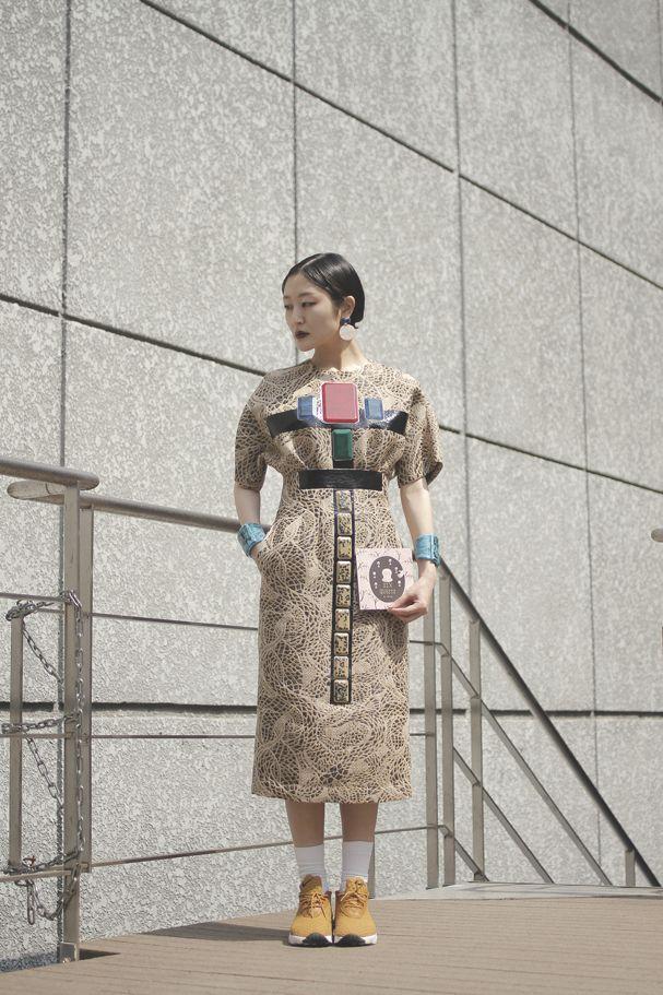 "Dress: TOGA | トーガ Bangle: TOGA | トーガ Socks:Sister Original Legwear | シスターオリジナルレッグウエア Book : Sister 6th Anniversary Items""Six guests""  | シスター6周年アニバーサリーアイテム""シックス ゲスツ"" Shoes : Nike | ナイキ"
