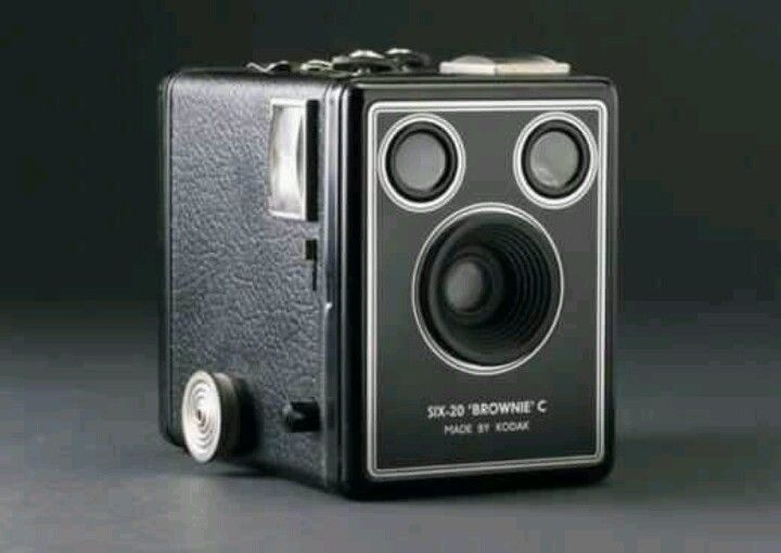 On this day Feb 1st 1900 Eastmon Kodak Co. Brown Box camera. $1 ...