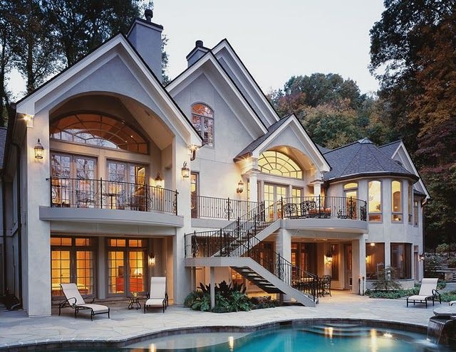 This house is gorgeous love the balcony big windows for Big gorgeous houses