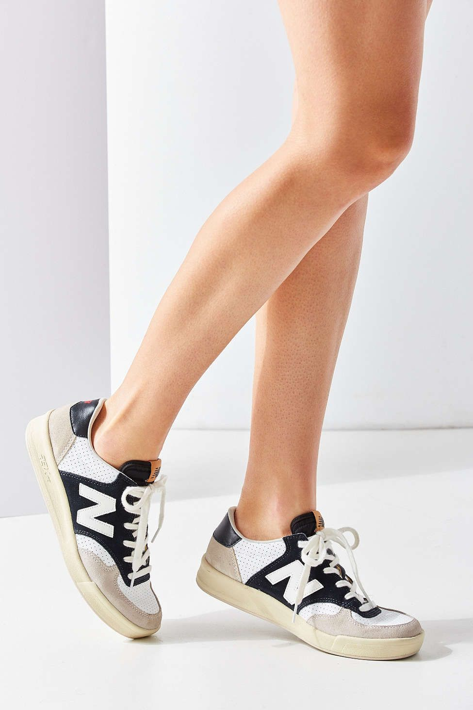 new balance 300 court classic sneaker womens