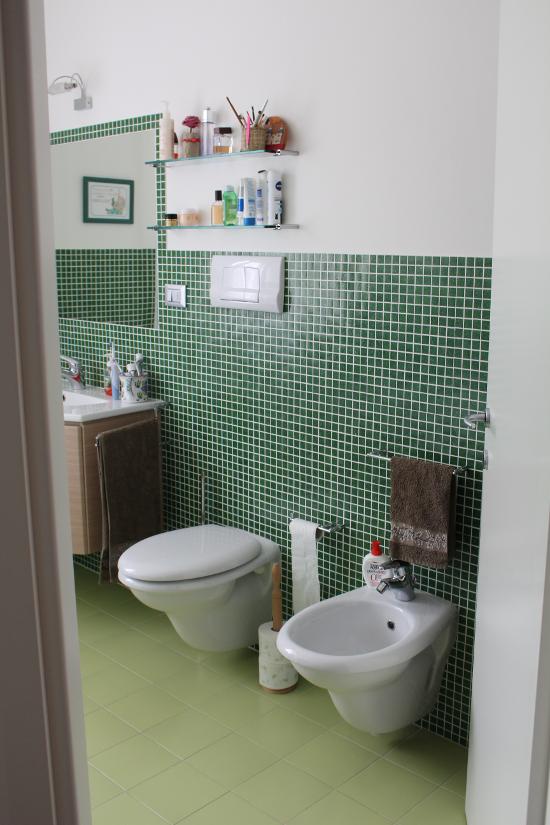 Risultati immagini per posizione accessori bagno  Particolari bagno