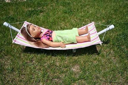Tutorial: Hammock and stand for an 18″ doll #dollaccessories