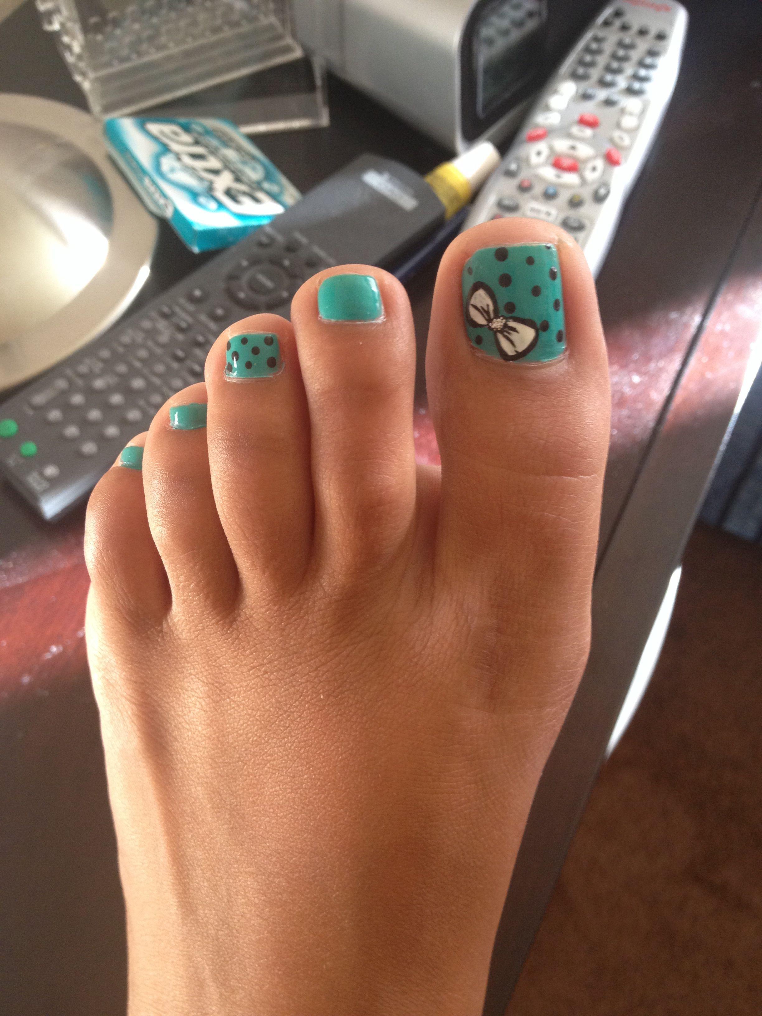 Mint And Black Polka Dot Bow Toe Nail Design Love The Bow Nails