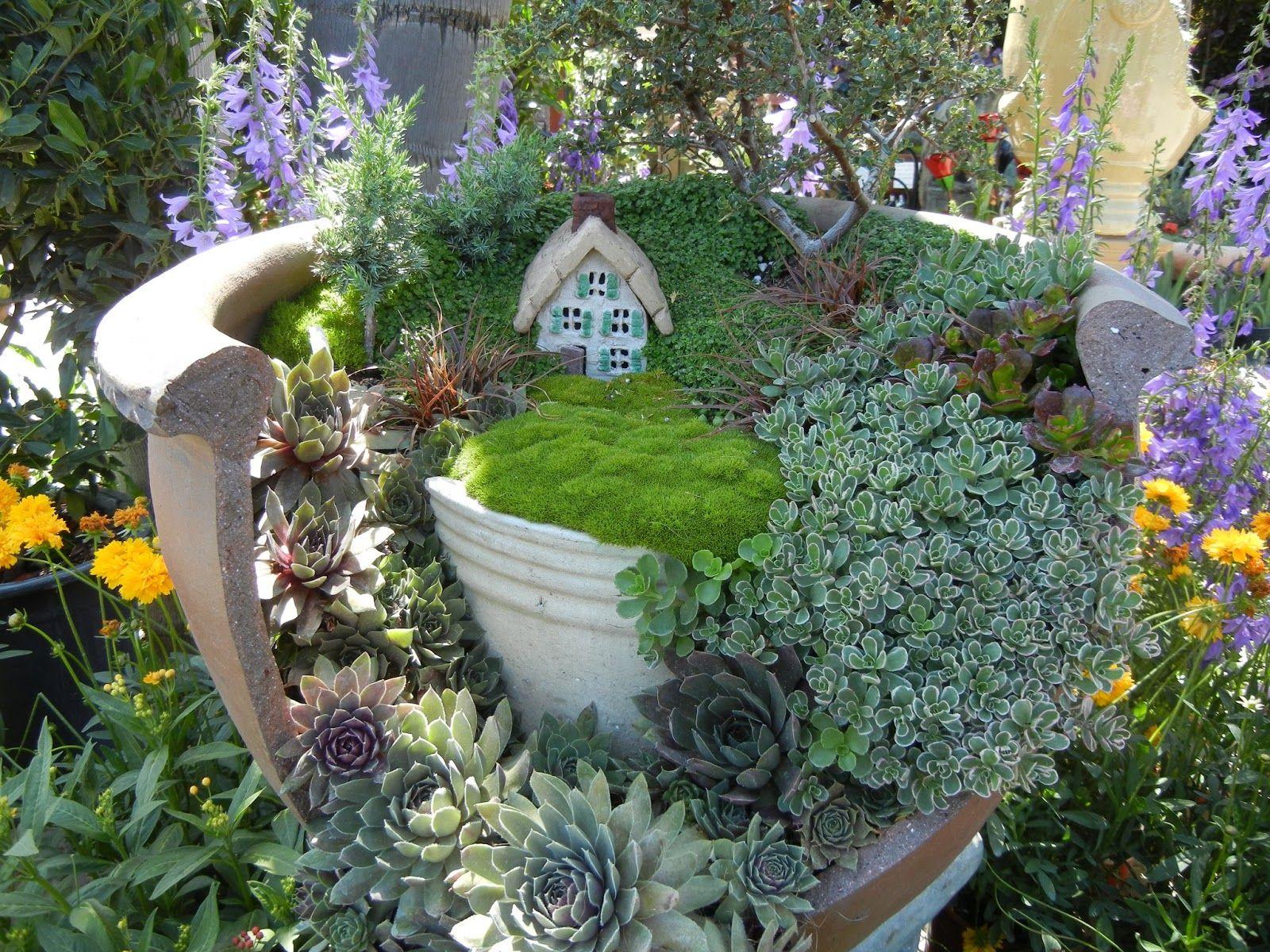 Broken Clay Pot Fairy Garden | Fairy Gardens | Pinterest ...