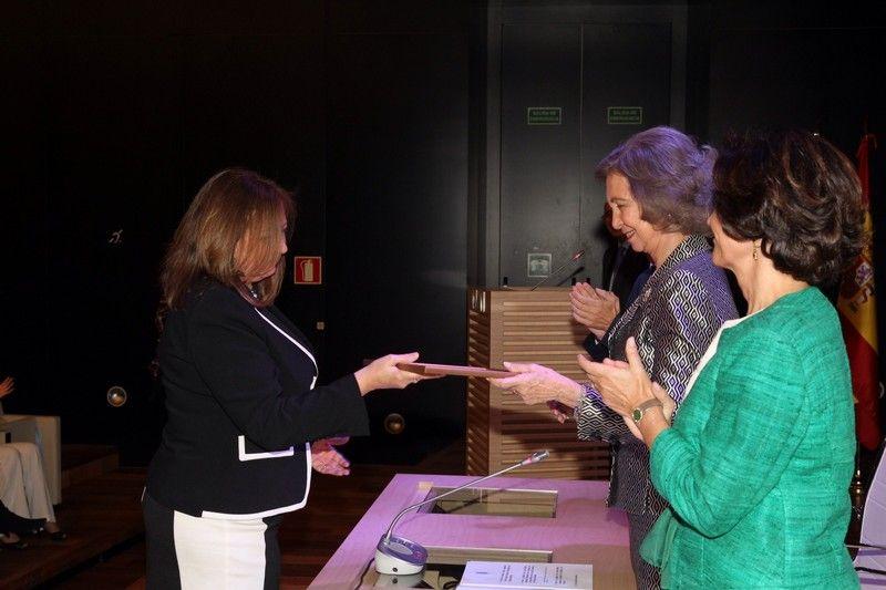 Doña Sofía entrega el Premio en la Categoría de conservación, a la Restauración de la Fuente de los Leones de la Alhambra Museo Arqueológico Nacional. Madrid, 17.04.2015