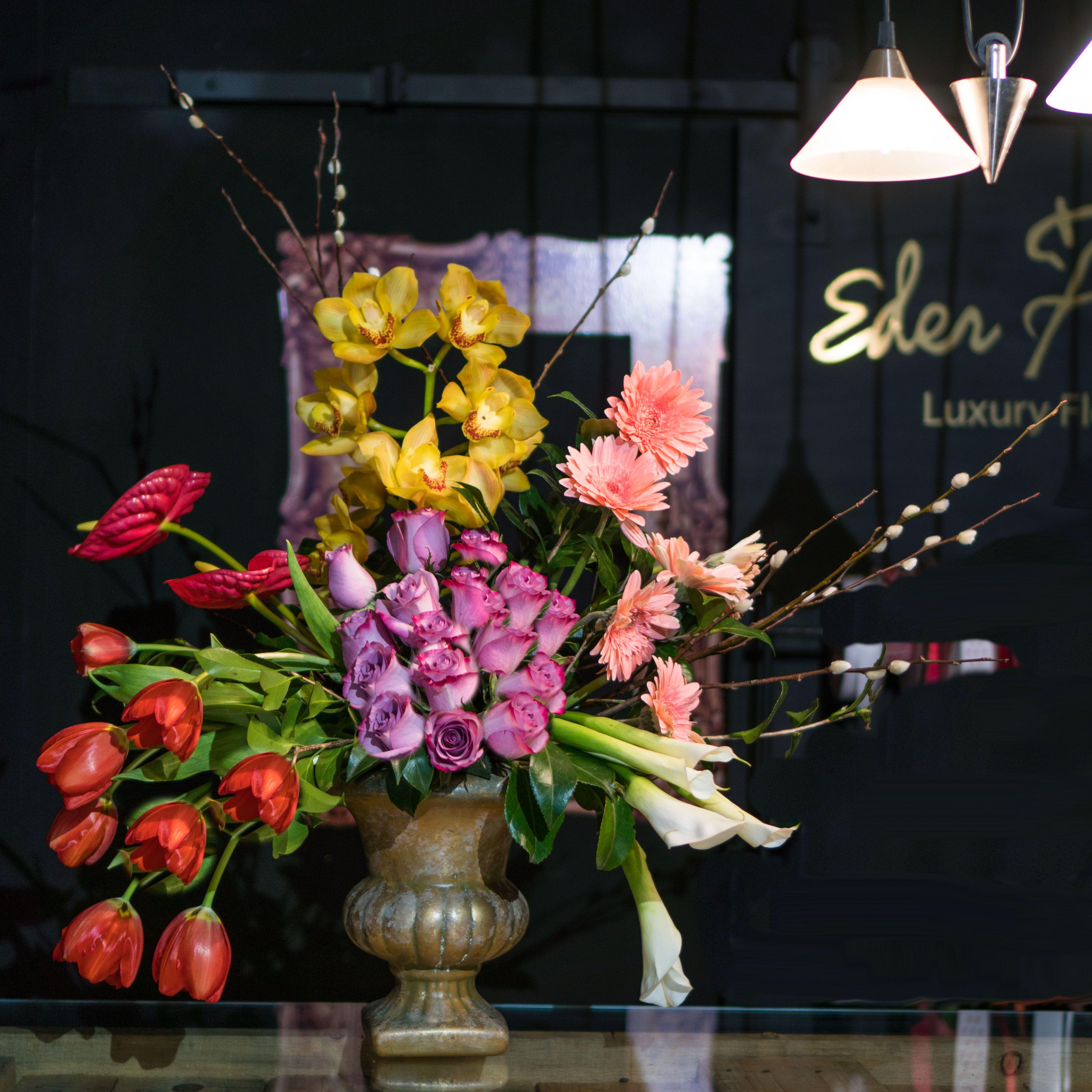 Arreglo Floral Tipo Bohemio Con Colores Explosivos Para
