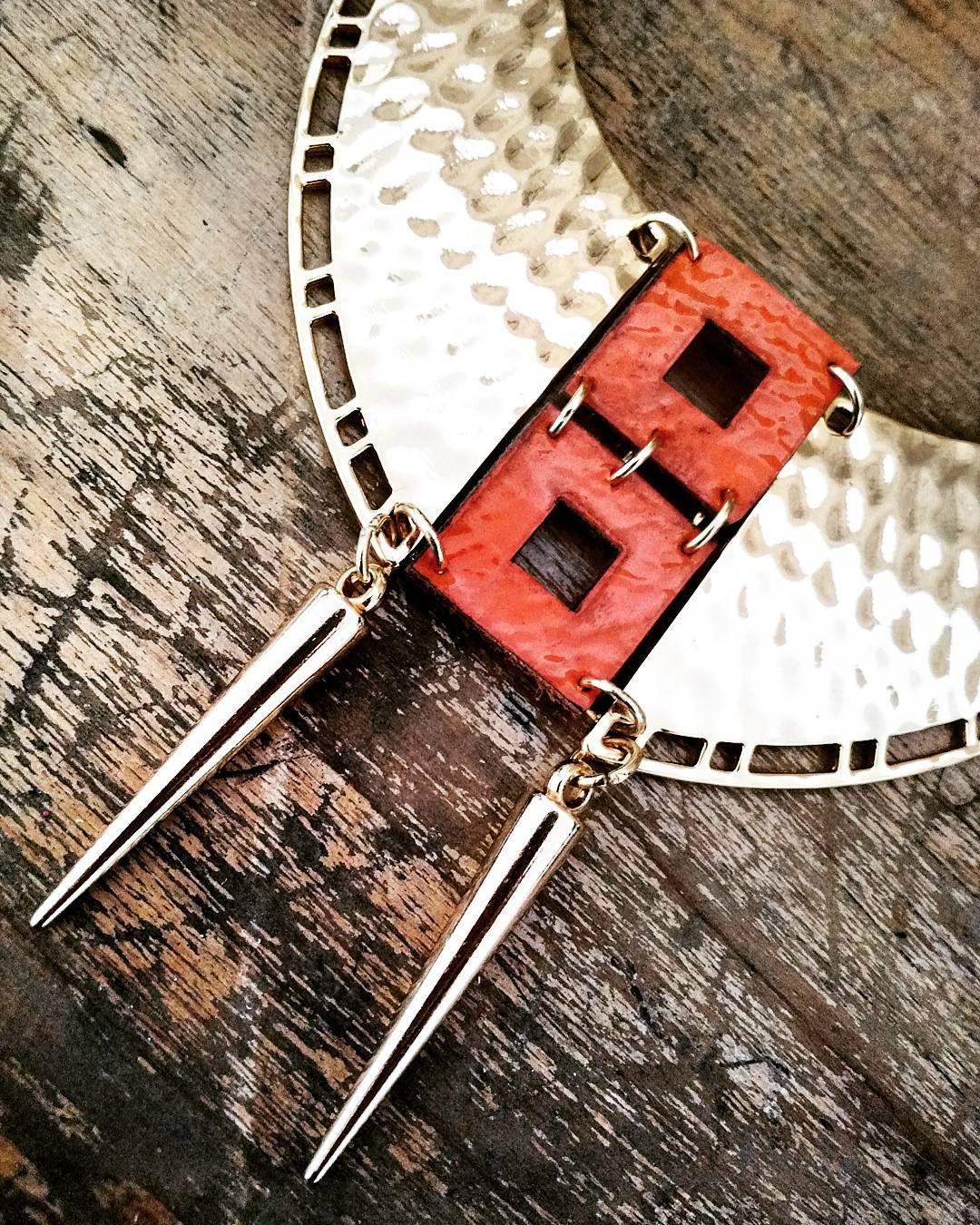 Boho girls até Sexta dia 27 tem a semana do maxi colar aqui na Maison! Todos os maxi com 10% de desconto! Vem escolher o teu!  #maxi #colar #trend #ss2016 #maisonboho #bohoacessorios #instaboho #acessórios #gypsy #boho #bohochic #bohostyle #bohemianstyle #necklace #couro #leather #lasercut #sustentável #sustentabilidade by bohoacessoriosemcouro
