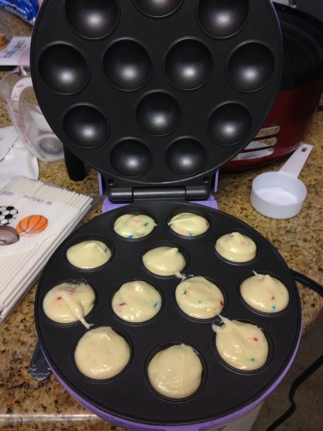 How To Cakepops With A Cakepop Maker Babycakes Cake Pop Maker Cake Pop Maker Baby Cakes Maker