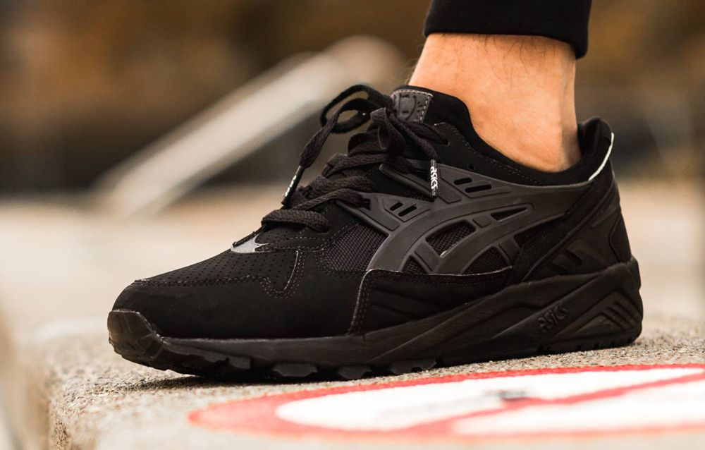 all black asics gel kayano