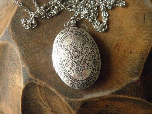antique silver unique palace locket necklace jewelry Bridesmaid Gift