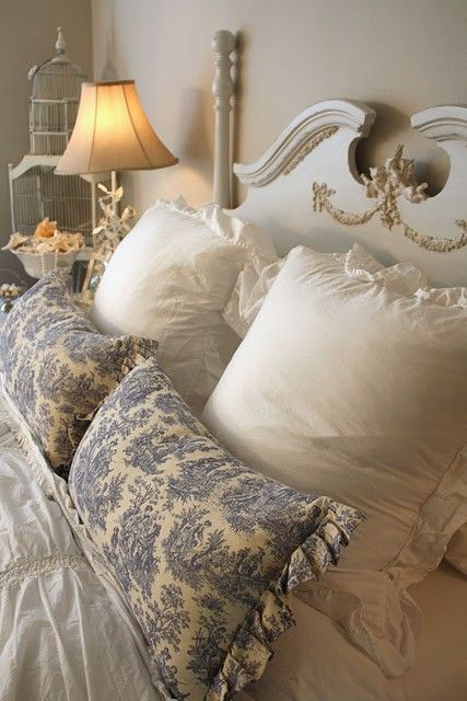 The blue and white pillows complete the look