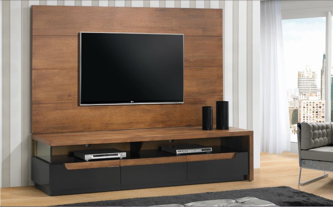Rack com painel em madeira ideas pinterest rack de tv rack e lareira for Images of couch for hall rennes