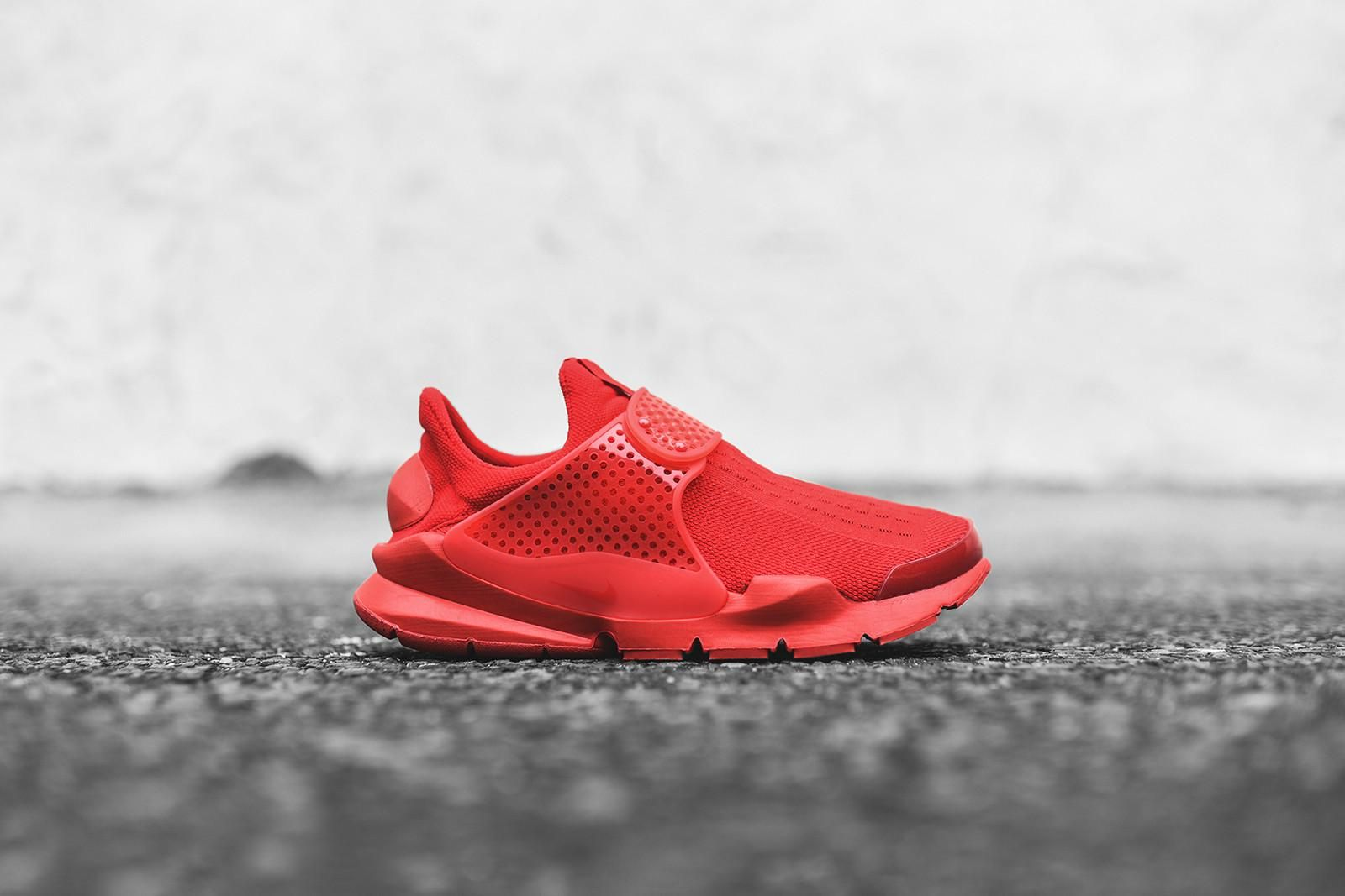 "Nike Sock Dart ""Triple Red"" | Nike sock"