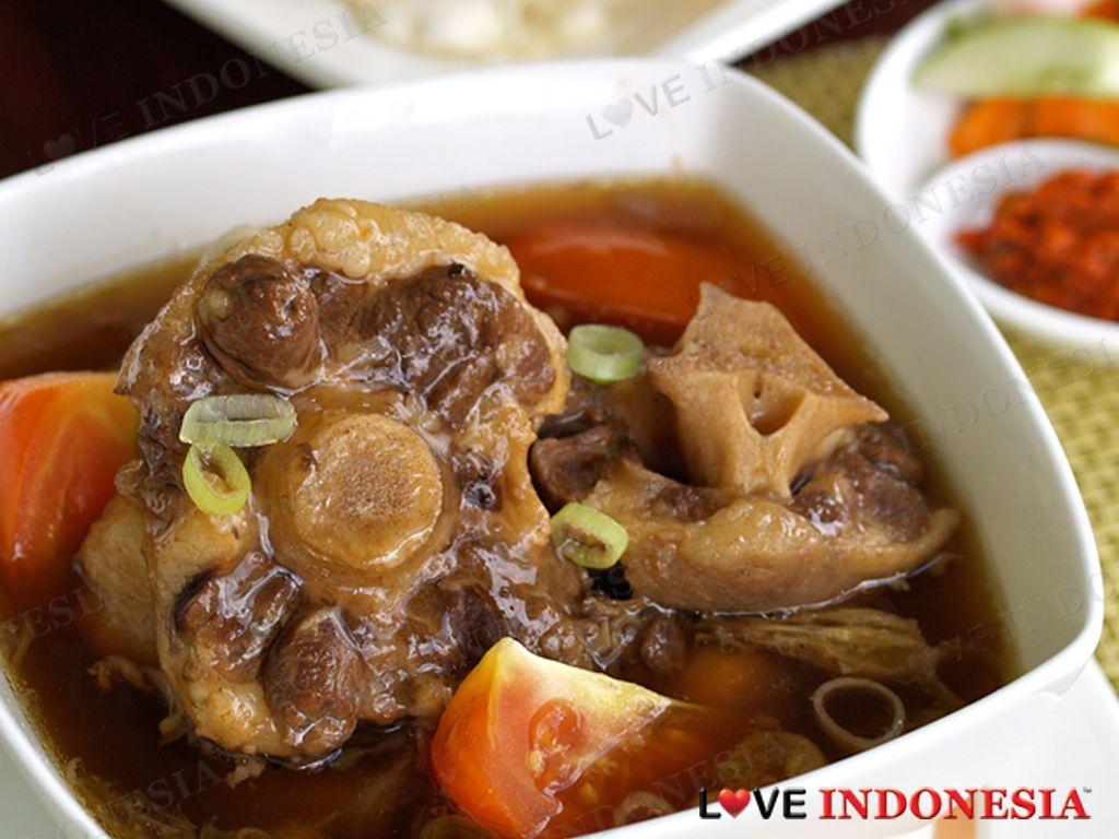 Resep Sop Buntut Spesial Ala Hotel Borobudur Lauk Makan Malam Masakan Indonesia Resep Makanan