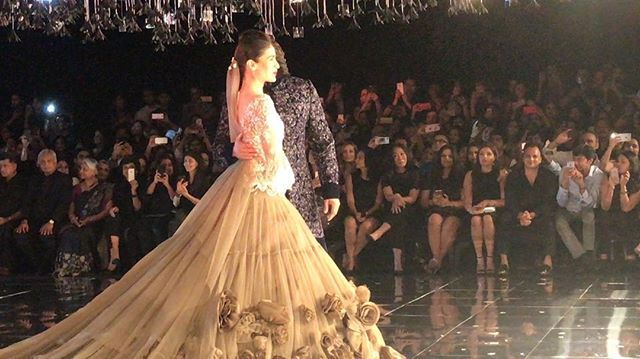 @aliaabhatt has a serious case of the giggles and can you blame her when @ranveersingh is the laugh riot responsible? #couture @manishmalhotra05 #bridal #aliabhatt #ranveersingh  via ELLE INDIA MAGAZINE OFFICIAL INSTAGRAM - Fashion Campaigns  Haute Couture  Advertising  Editorial Photography  Magazine Cover Designs  Supermodels  Runway Models