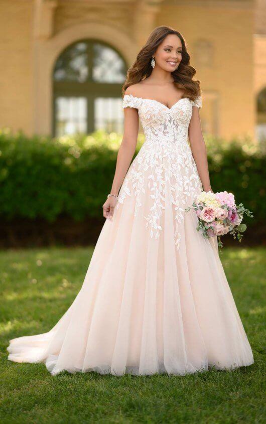 Romantic A Line Wedding Gown With Organic Leaf Pattern Stella York Wedding Dresses In 2020 Spring Wedding Dress Wedding Dresses Sweetheart Wedding Dress