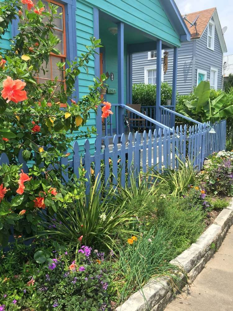 Must See This Charming Historic Cottage In Galveston Texas Designed Cottage Style Homes Cottage Garden Cottage