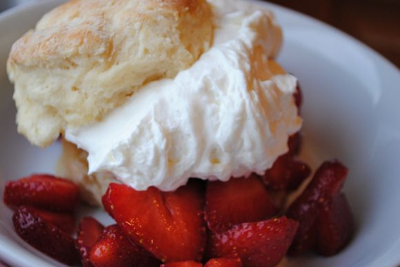 strawberry shortcake with cream cheese cream - instead of the biscuits I used plain sponge cake