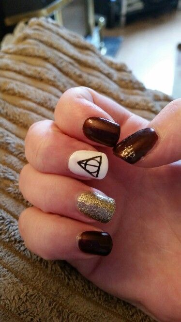 My harry potter nails done by a friend of mine #harrypotternails #nailart #harrypotter
