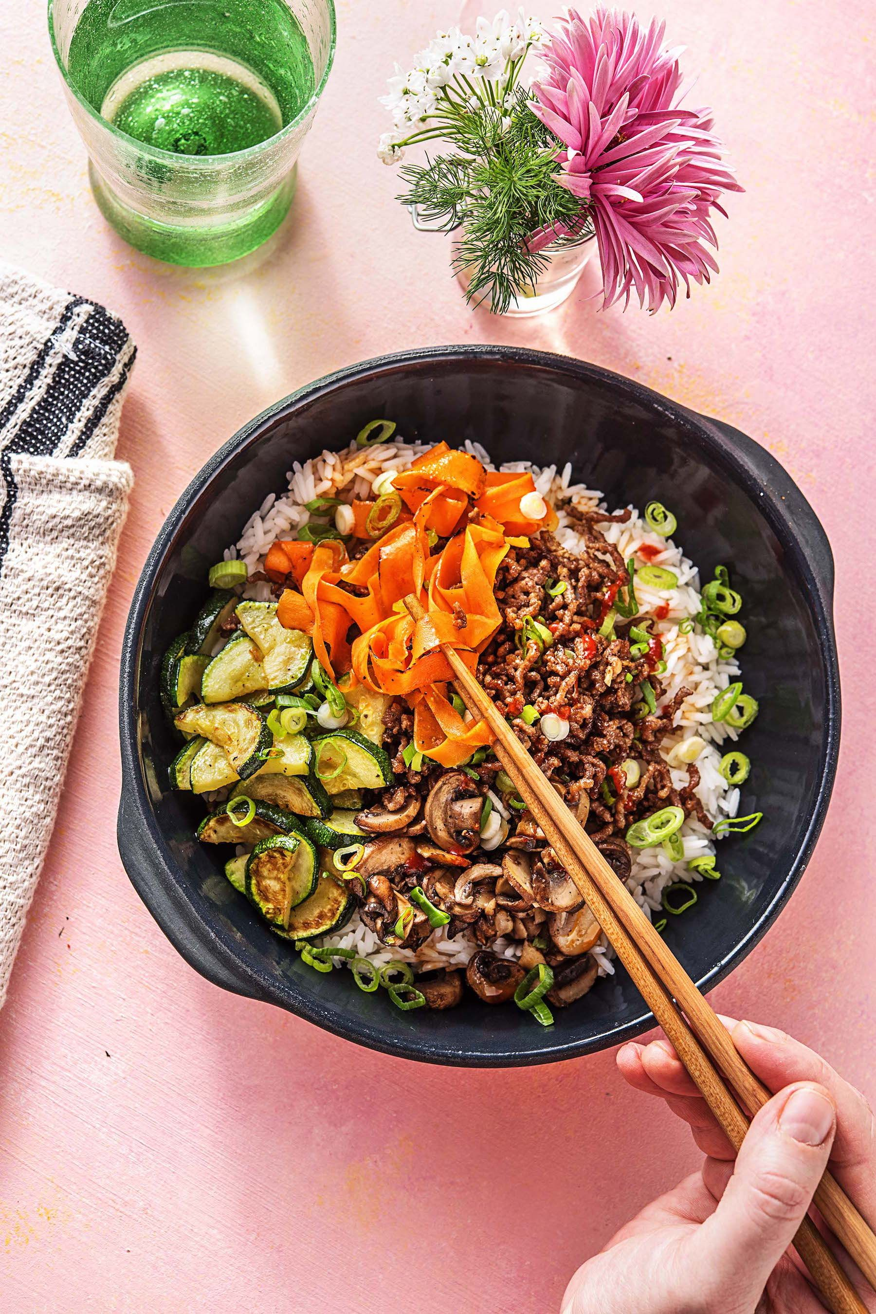 Korean Beef Bibimbap with Zucchini, Mushrooms, and Carrots #beefandrice