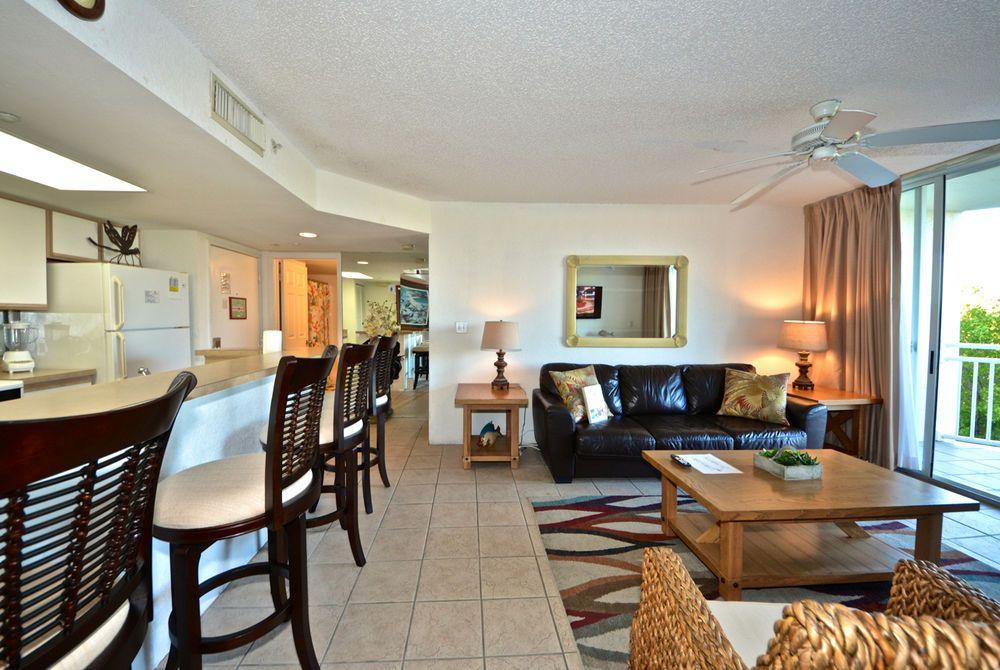 Key West Sunrise Suites Resort 215 Ngt Condo 2 Bedrooms Living Area On Other Side Of Key West Key West Key West Resorts Florida Keys Hotels