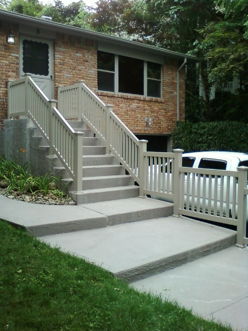 Best Khaki Explorer Pvc Stair Railings Fabricated And Installed 640 x 480