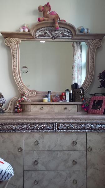 Dubizzle Abu Dhabi | Dressers & Vanities: dresser (7 drawers