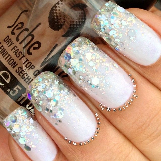 unhas decoradas elegante em branco #nail #unhas #unha #nails #unhasdecoradas #nailart #gorgeous #fashion #stylish #lindo #cool #cute #fofo #branco #white #bridal #noiva #wedding