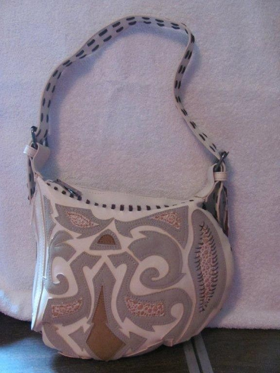 HOT KISS WOMENS WHITE FAUX LEATHER SHOULDER BAG BRAND NEW WITH TAGS #HOTKISSWOMENSWHITEFAUXLEATHERSHOULDERBAGBR #ShoulderBag
