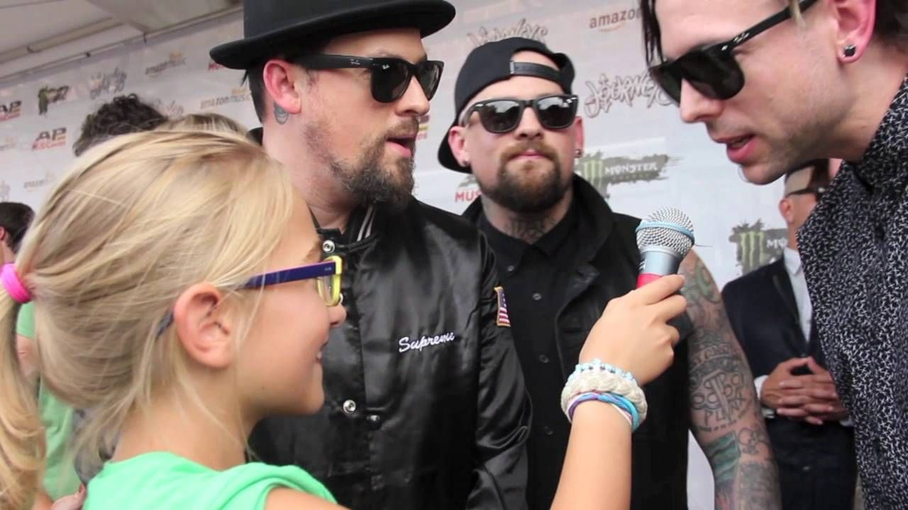 Pin On Good Charlotte My Favorite Band Friends