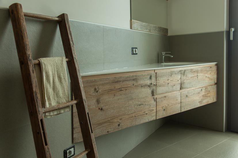 Arredi residenza privata lago di como. top bagno in abete antico