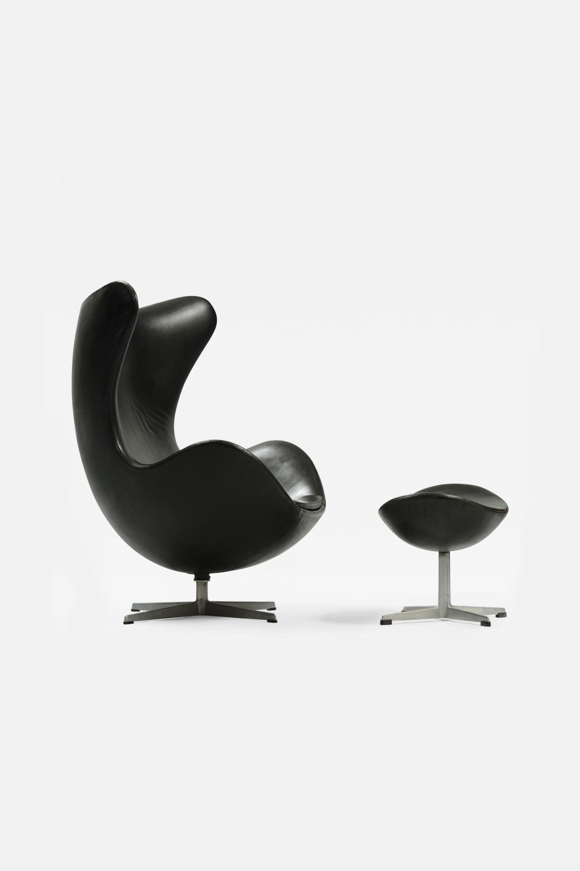 Promotion Set Egg Chair Footstool Leather