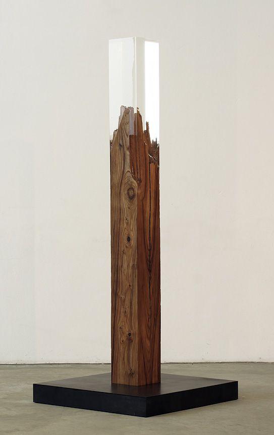 Vera Röhm - Plexiglas y madera. Hermoso.