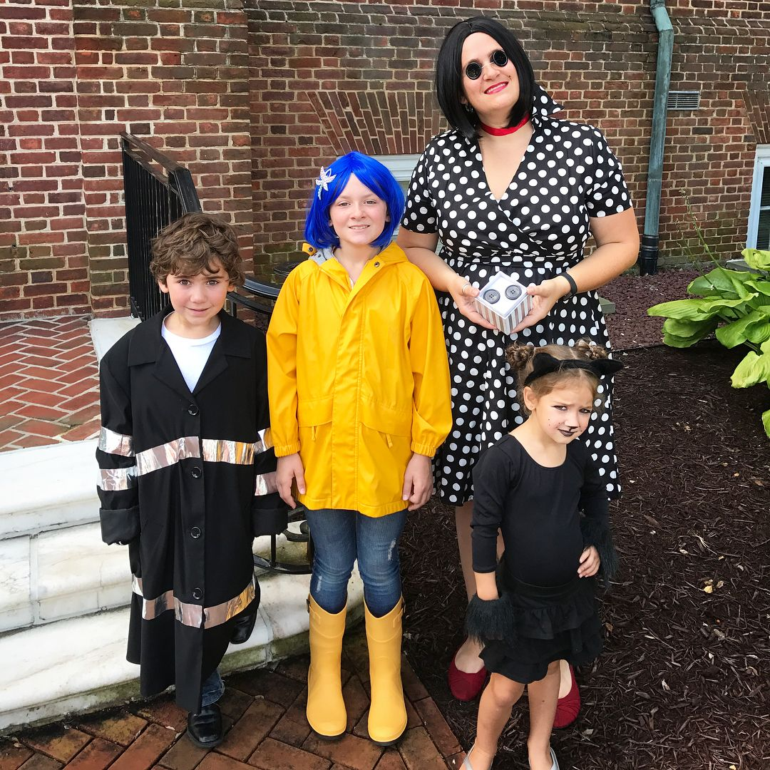 Diy Coraline Costume Ideas Tutorial For Halloween Maskerix Com Coraline Costume Coraline Halloween Costume Family Halloween Costumes Diy