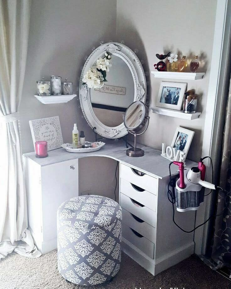 Pin by Gina Valentine on *VaNiTy* Pinterest Bedrooms, Room and