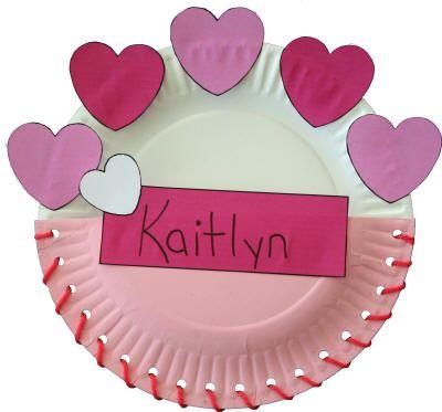 Paper Plate Valentine\'s Day Card Holder http://www.dltk-holidays.com ...