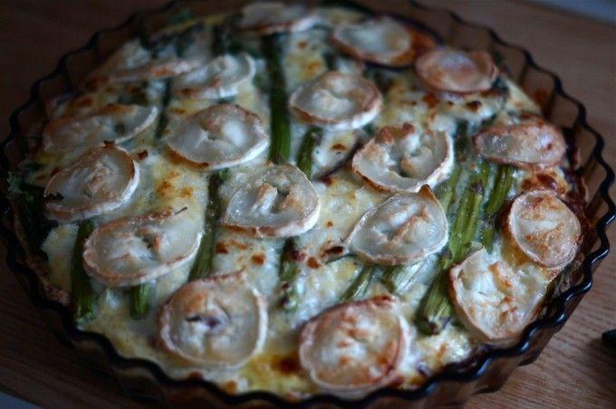 Aspargestærte med gedeost og spinat