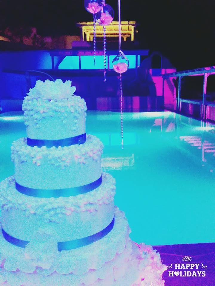 Atmosfere di luci per una splendida Weddings cakes. Creazione Tiziana Corzani Weddings