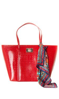 Love Moschino Embossed Eco-Leather Tote € 168,00  http://www.myoutfit.it/Details/details.jsf?cod_prod=JC4268PP0YKH500ROSSO