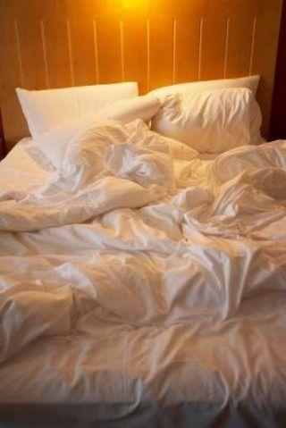 c08d1aca536e60938eff29015b0d1f06 - How To Get A Stain Out Of Bed Sheets
