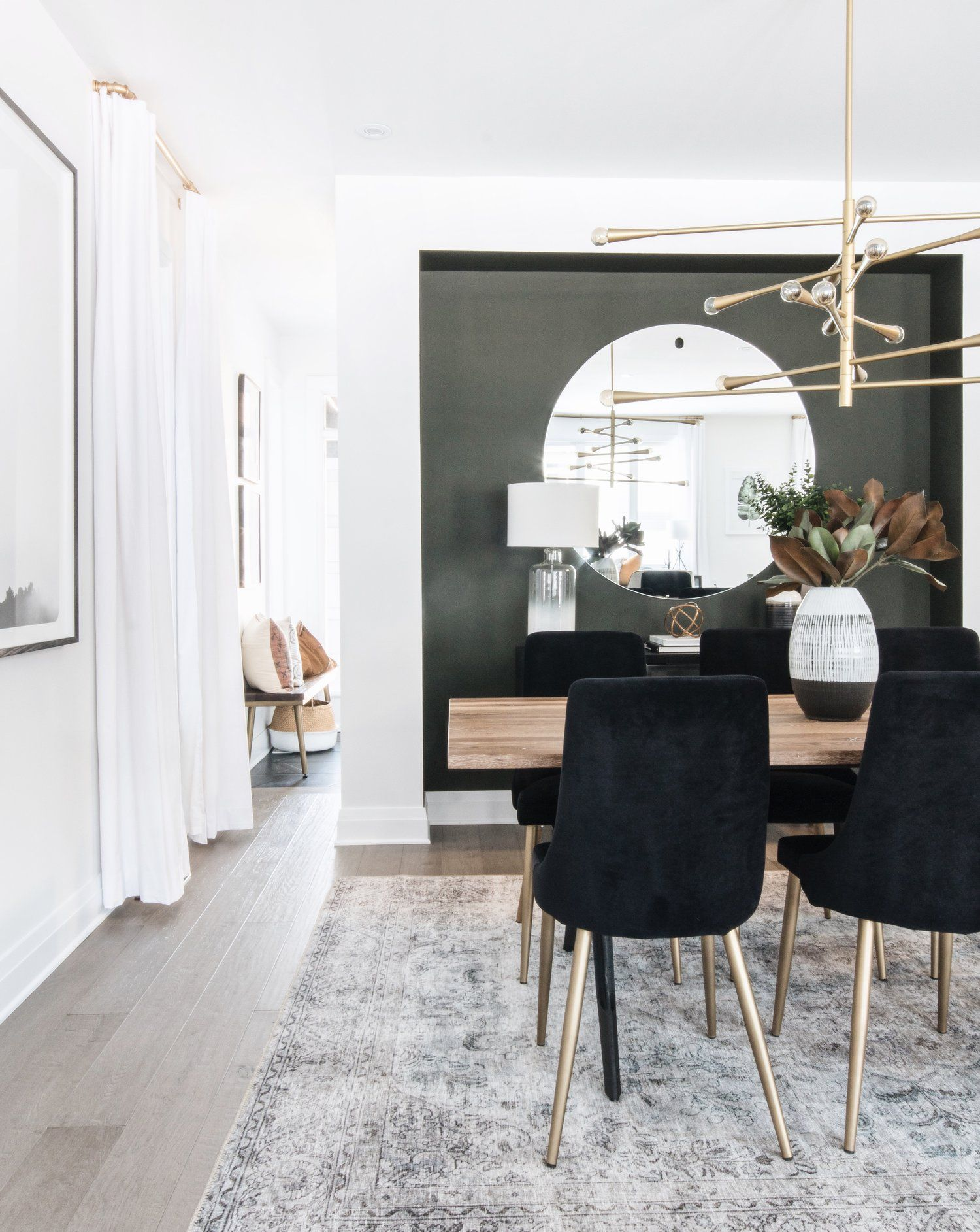 Statement Accent Wall In The Formal Dining Space By Ottawa Based Interior Design Firm Leclair Decor How To Make Inspiration Salle A Manger Deco Salle A Manger