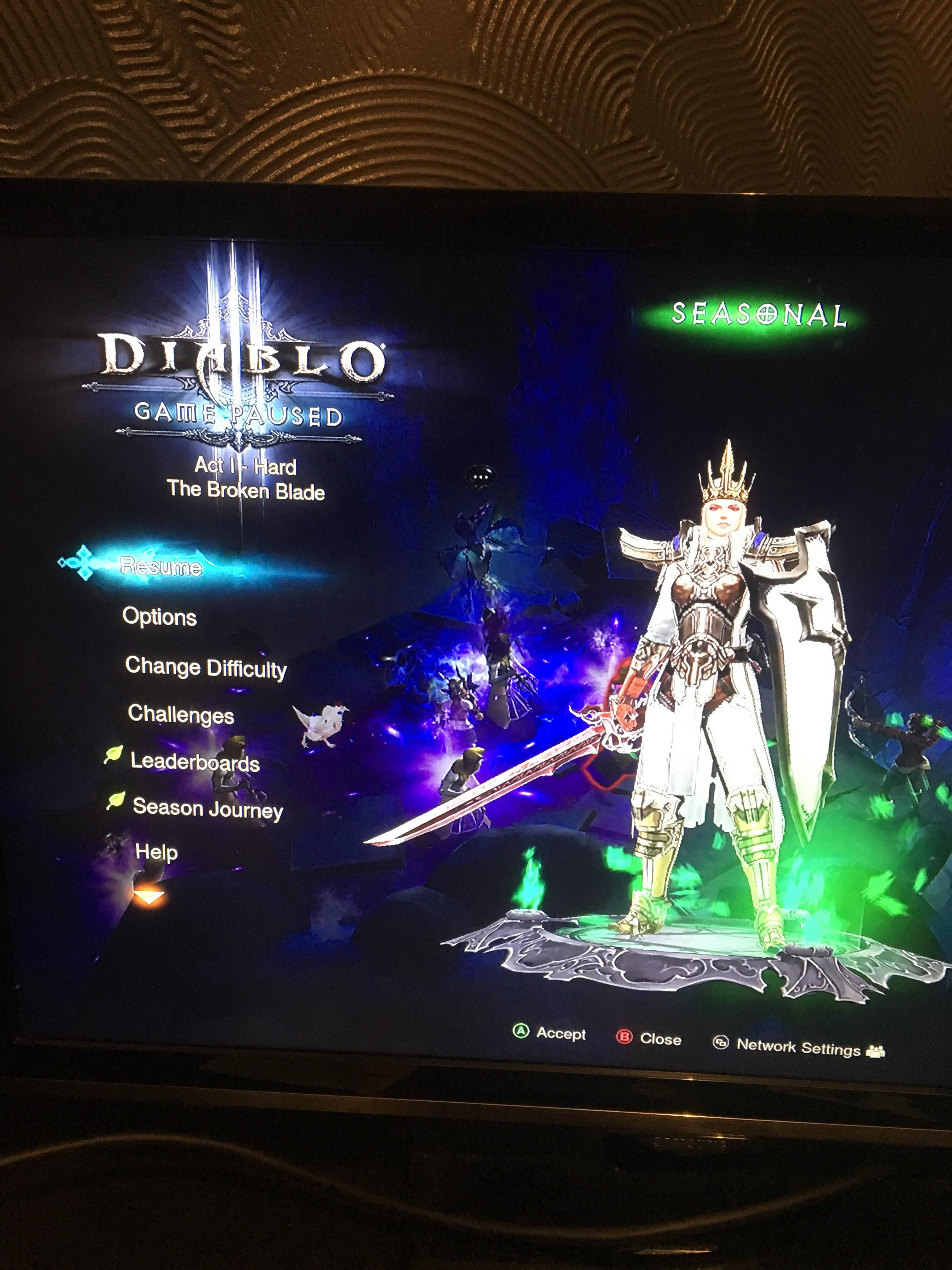 Does Anyone play Diablo ROS on Xbox one anymore