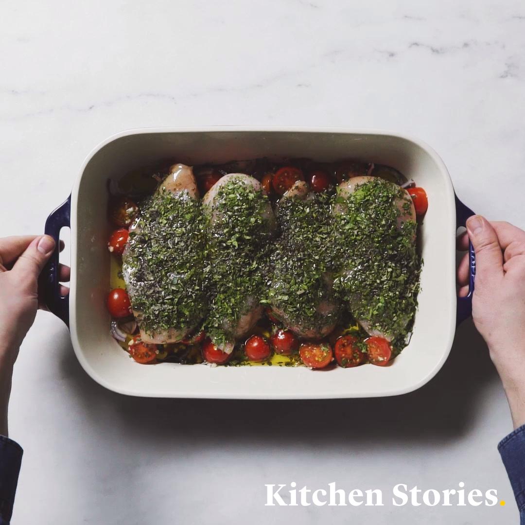 Schnelles Hähnchenbrustfilet mit Tomaten und Kräutern aus dem Ofen #foodrecipies