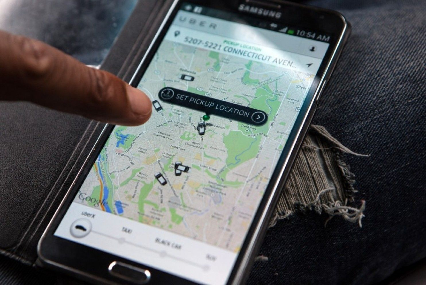 Fate of Uber's legality at Dulles and National airports to