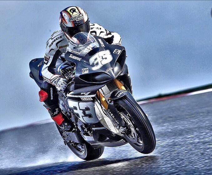 great pic ! Yamaha R1