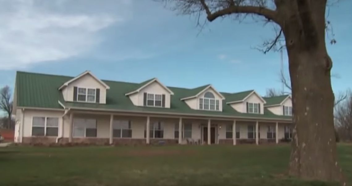 Take a Tour of All the Houses And Apartments the Duggars Call Home