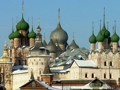 The Citadel of Rostov, Yaroslavl Oblast, Russia - www.castlesandmanorhouses.com