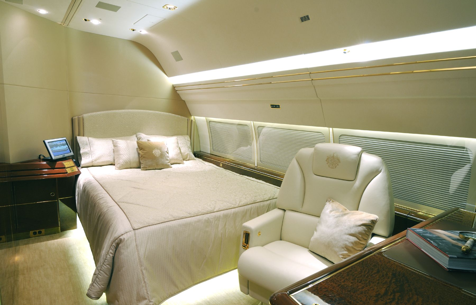 Master Bedroom Onboard Donald J Trump 39 S Boeing 757 Completion By International Jet Interiors